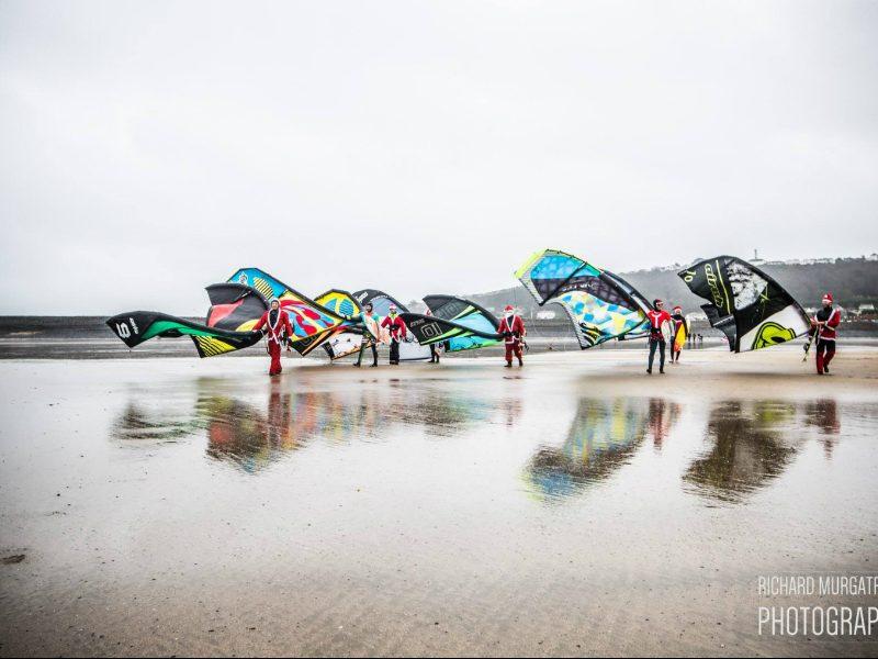 photo 3 800x600 - 4th Santa Surf-Off!
