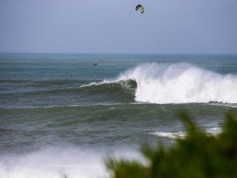 ripcurl2 800x600 - Big Wave Crash