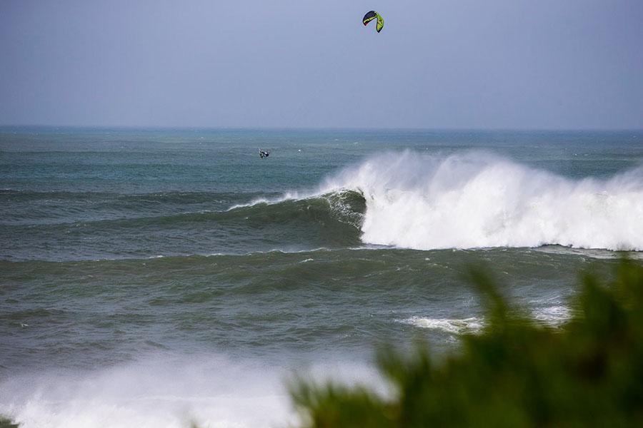 ripcurl2 - Big Wave Crash