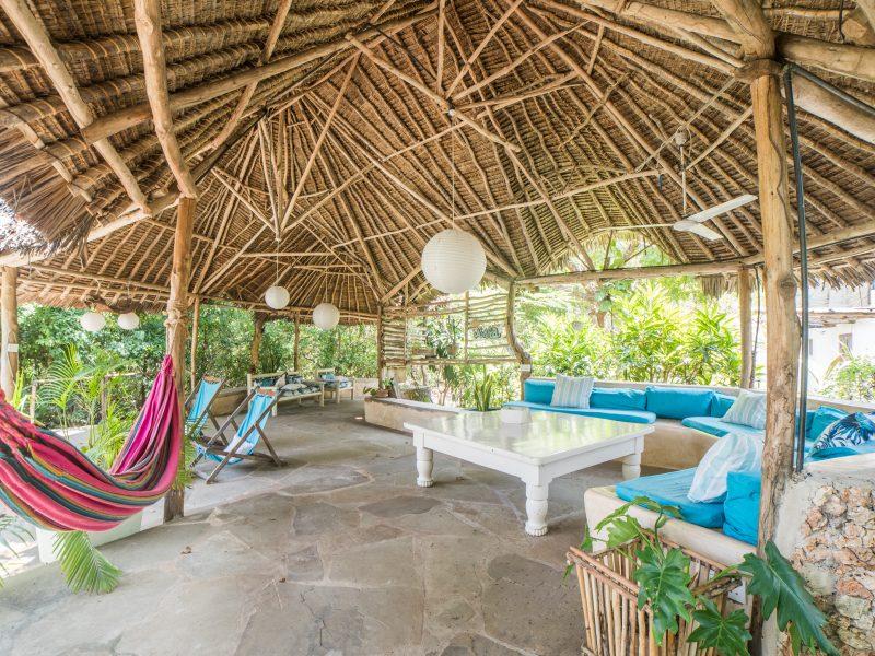 Pool lounge 800x600 - Kenyaways Kite Village - Kenya
