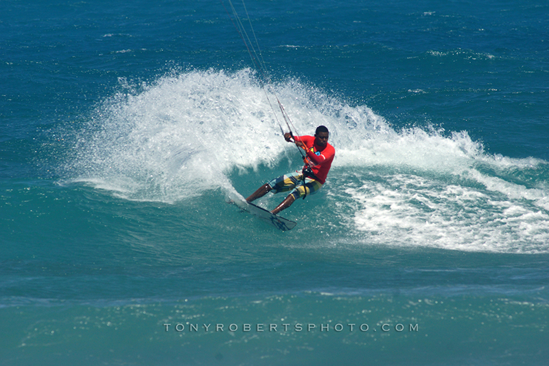 TONYROBERTS EMMANUELRONDON KITEDSC06762 - Day 2 of Master of the Ocean