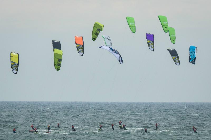 BG002931 - Global Kite Team Series