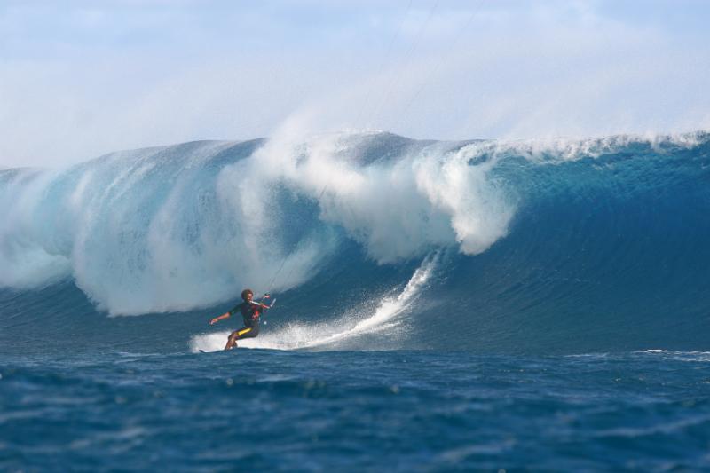 TEAHUPOO - MANERA launch new wetsuit line!
