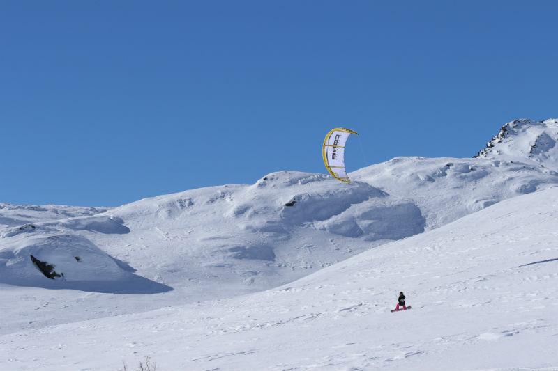 1D7A1909 - Snowkiting in Alaska