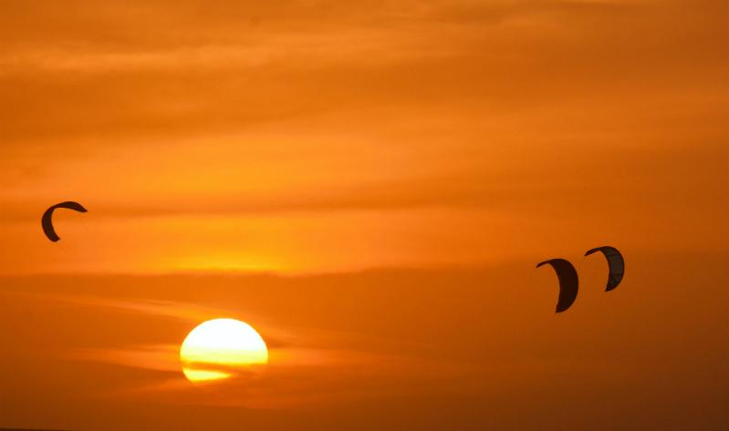 sun - Mikaili Sol: Brazilian Kite Prodigy