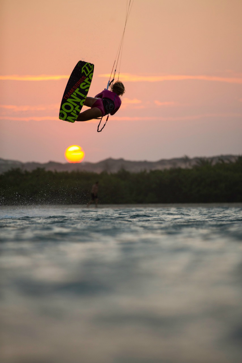 S5A0204 - KITE BABES: Hang Loose Kite Girls Camp 2015
