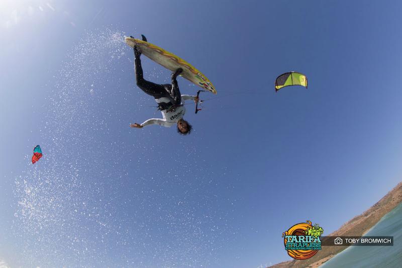 Tarifa Strapless kitesurfing pro dia 1 00006 - Airton wins Tarifa Strapless Kitesurfing PRO