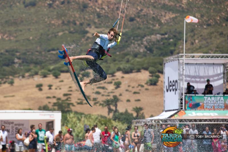 Tarifa Strapless kitesurfing pro dia 1 00019 - Airton wins Tarifa Strapless Kitesurfing PRO