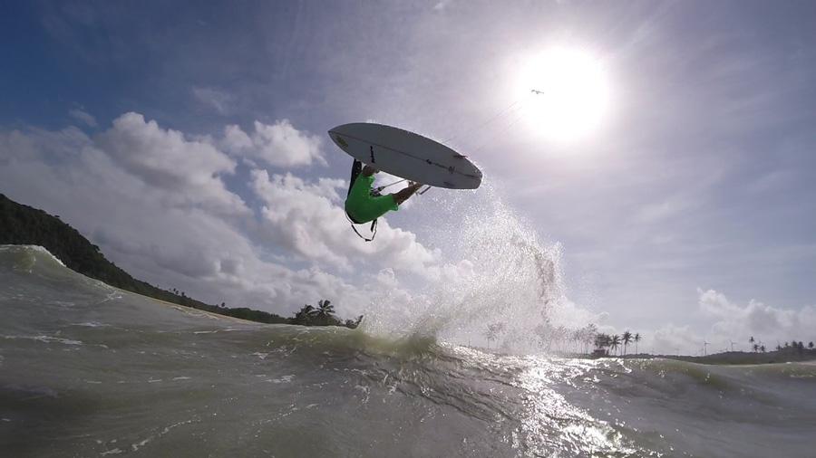 back roll sunny - PASSEIO: A family kitesurf trip