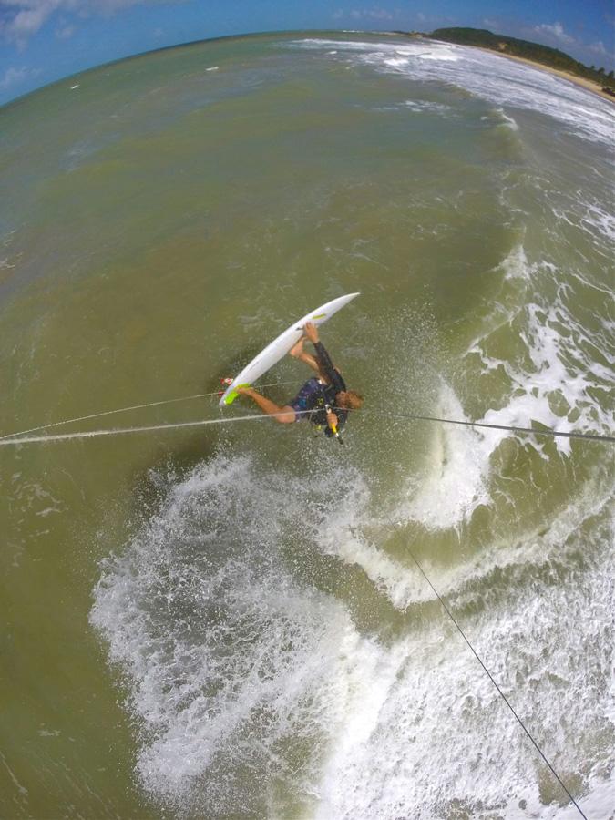 fly - PASSEIO: A family kitesurf trip