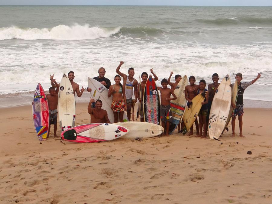 local kids - PASSEIO: A family kitesurf trip