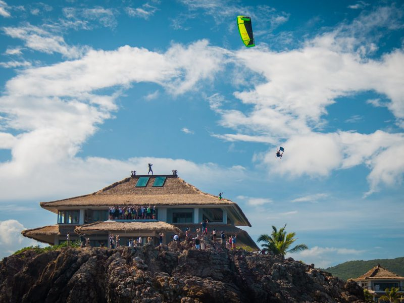 nick jacobsen launches from bran 800x600 - Nick Jacobsen launches from Branson's balcony...