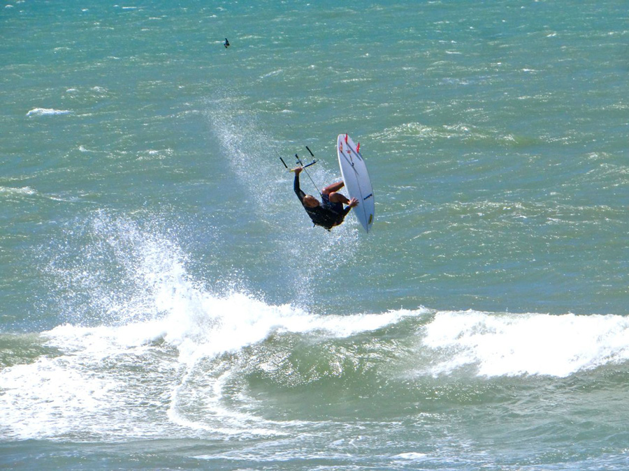 teaked back roll - PASSEIO: A family kitesurf trip