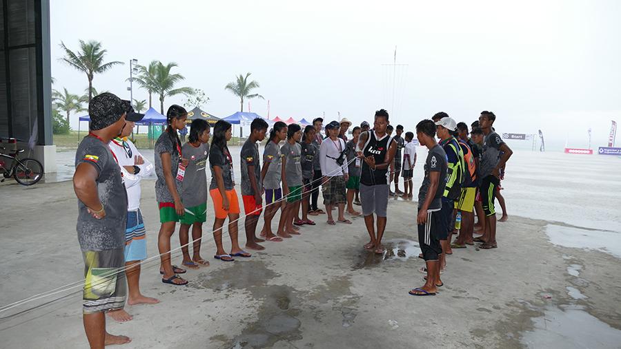 Wit Myanmars sole kiteboard in full teaching flow - Myanmar Wave Rider Cup and KTA Race Open