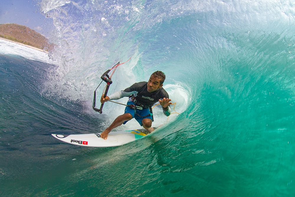 Feature Jungle Swallowsbruno smith indonesia0619 23002369940 o - TheKiteMag issue #10