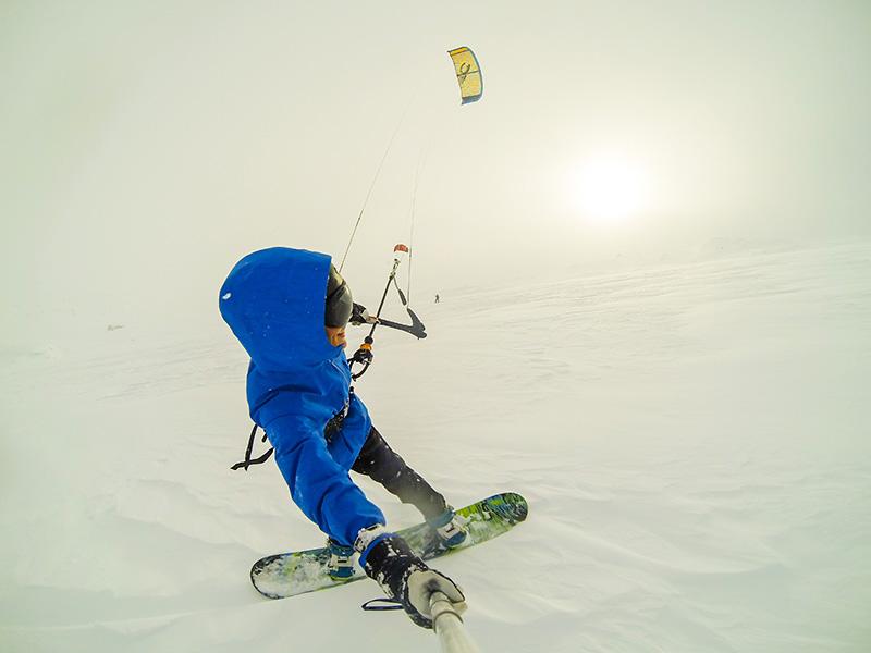 G0017819 - CLOSED ROADS - A Norwegian snowkite adventure