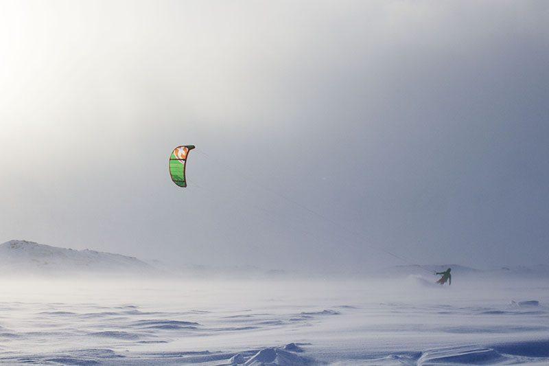natur japan  572 800x533 - CLOSED ROADS - A Norwegian snowkite adventure