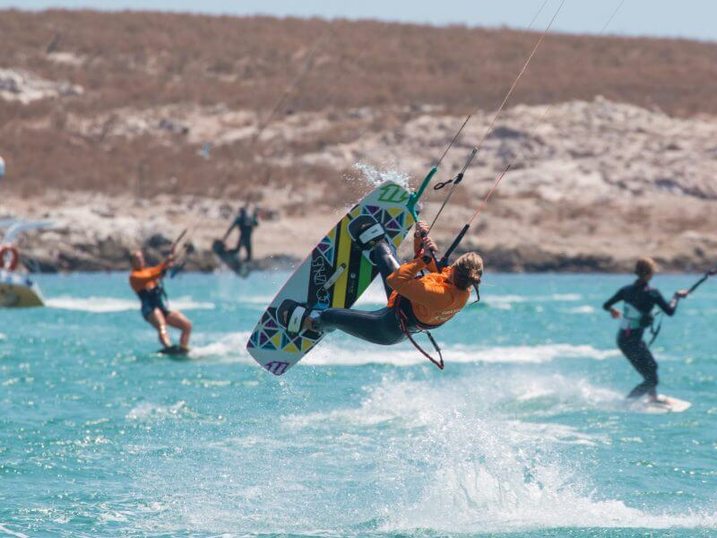 Kiters.7 800x600 - Kitesurfing holidays in South Africa