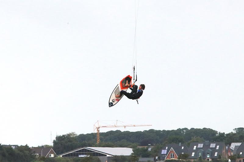 2 1 - Airton Triumphs in a Big-Air Feast at Fehmarn