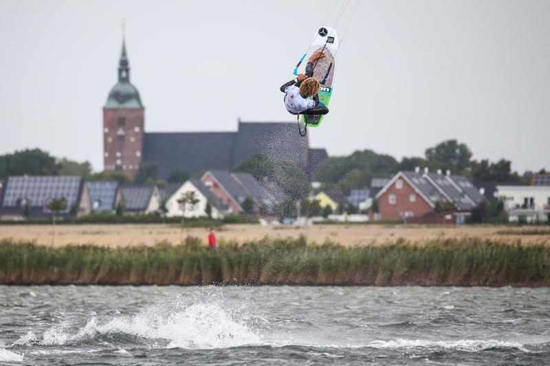 4 1 - Airton Triumphs in a Big-Air Feast at Fehmarn