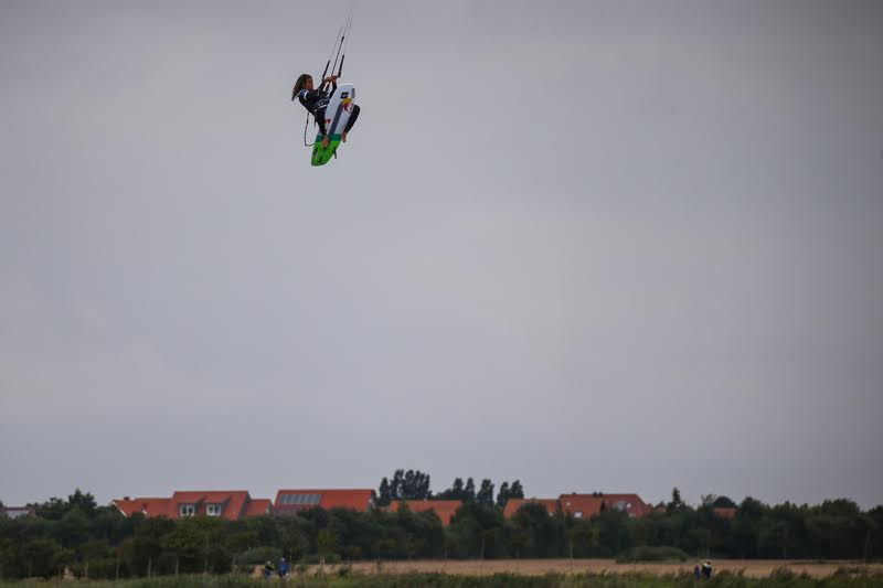 5 1 - Airton Triumphs in a Big-Air Feast at Fehmarn