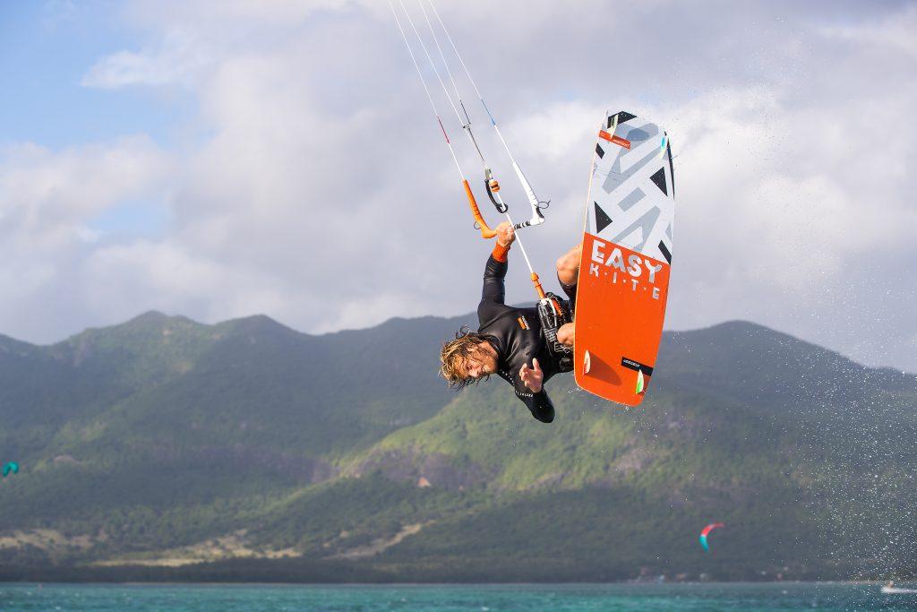 CX4I9176 1024x683 - RRD - The Easy Kite v2