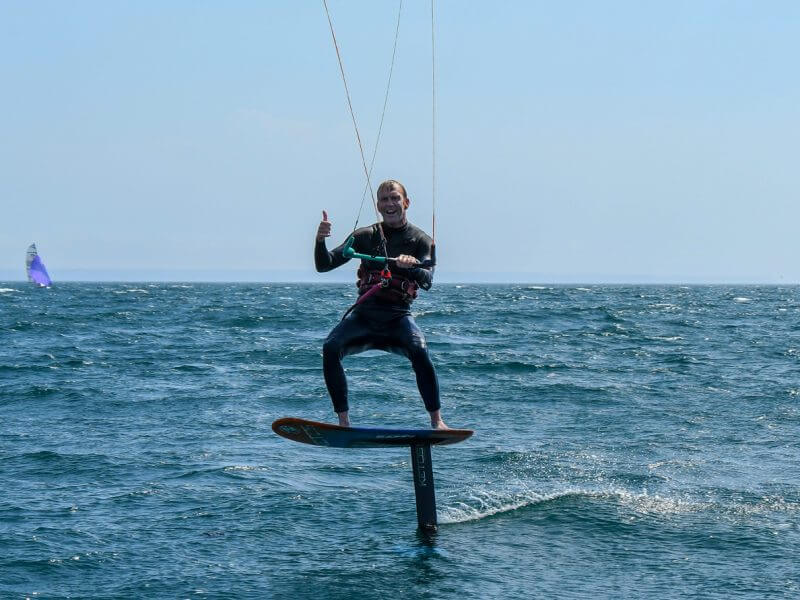 Ketos foil kitesurfing cornwall 800x600 - Pasty's Foil Tech: Tacking and Gybing