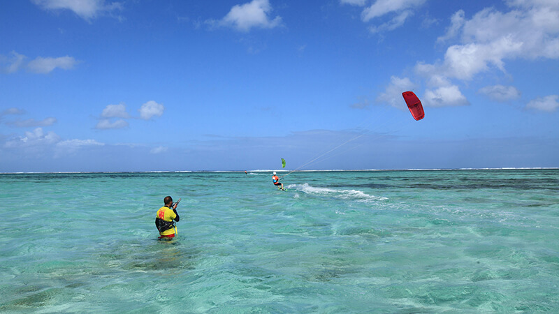 kitesurf lessons - Kitesurfing holidays for the whole family