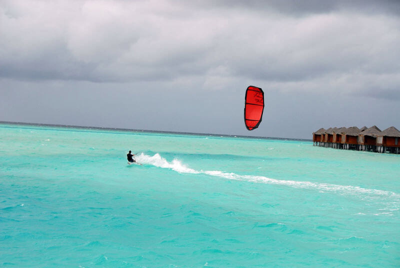 maldives anantara lagoon kitesurf - Kitesurfing holidays for the whole family
