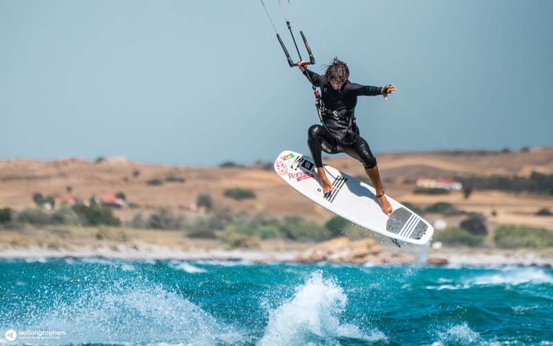 ADA 2731 - 5 reasons why you should kitesurf in Limnos