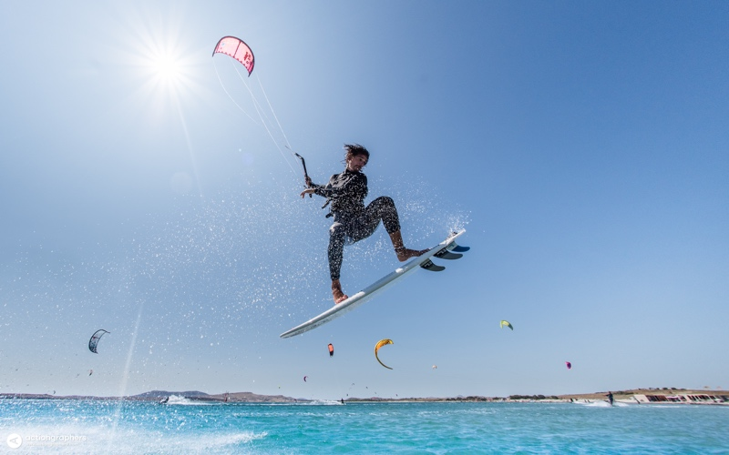 ADA 3054 - 5 reasons why you should kitesurf in Limnos