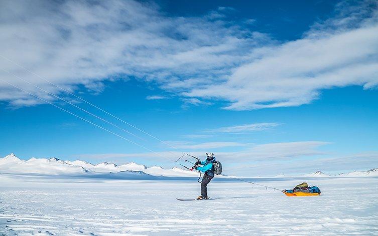 Matthias Haunholder Antarctica Kite III Foto Johannes Aitzetmüller 753x471 - NO MAN'S LAND: EXPEDITION ANTARCTICA