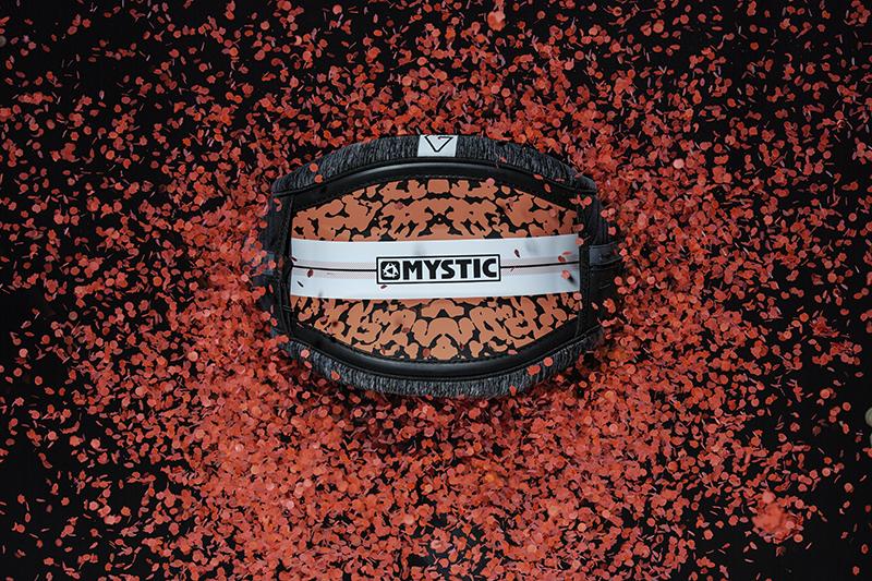 Mystic FW1819 Harness Gem Bruna Kajiya - New Mystic Fall/Winter 2018-19 Collection out now