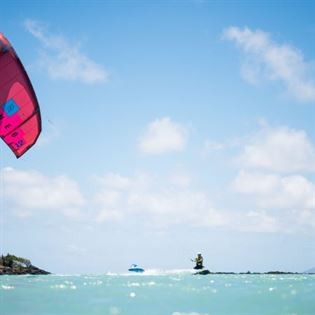 SURFKITEPHOTO 0722 450x450 - Check out some of the top African Kite Destinations!