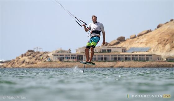 dakhla kitesurfing foil 800x465 - Want to learn how to foil? Here is your chance!