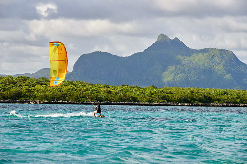 252 SK DOWNWIND - Choose Mauritius...
