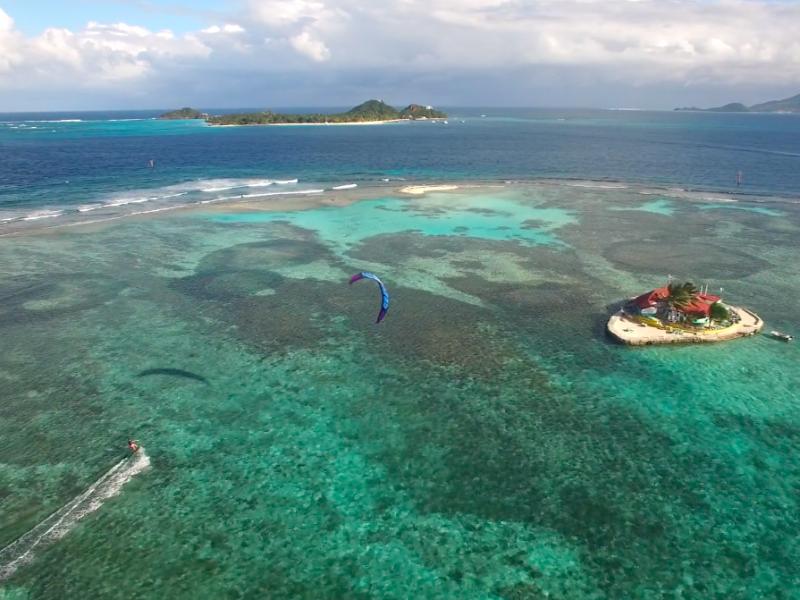 Happy Island bar 800x600 - Uncharted Kitesurfing - Grenadines