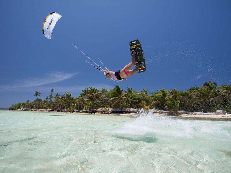 IMG 9011 800x600 - Kitesurf Roatan & Camp Bay Lodge - Honduras