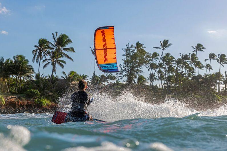 S25KB Action Triad Hero JohnnyMartin FishBowlDiaries PAV2896 HiRes RGB 795x530 - Naish introduces the new S25 Kite Line