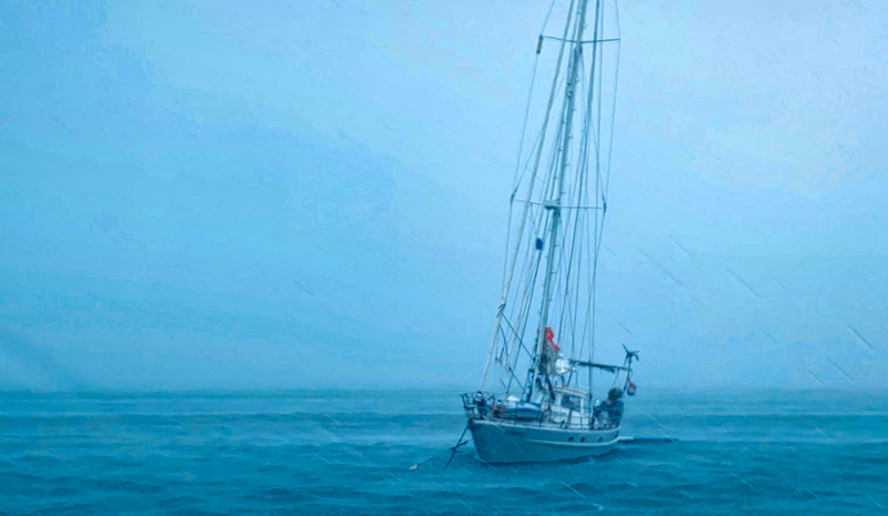 The bad weather starts 38 knots are hiting Yndeleau - Yndeleau EP 3: Running from a hurricane