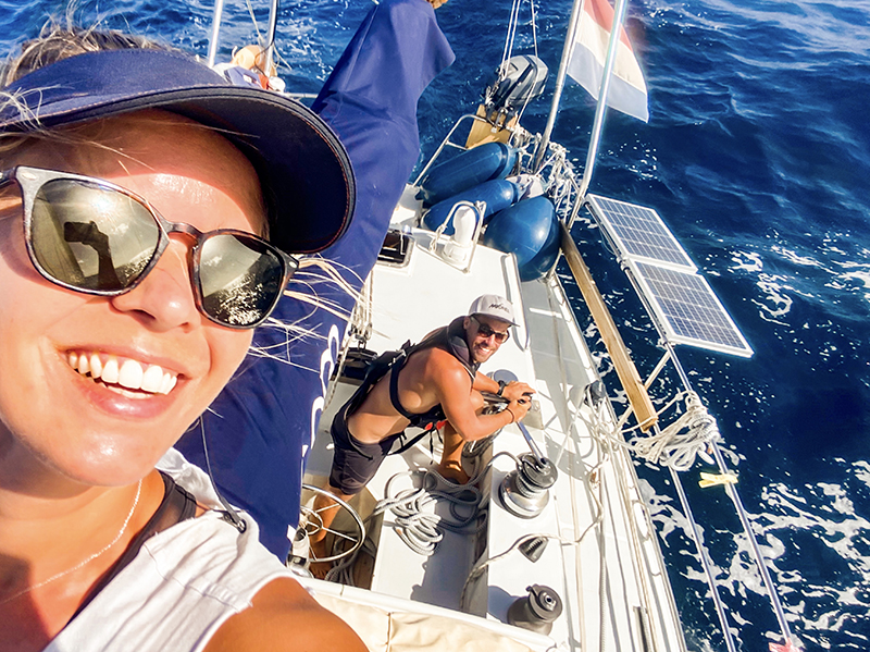 We have a great sail back to the Tobago Cays - Yndeleau EP 3: Running from a hurricane