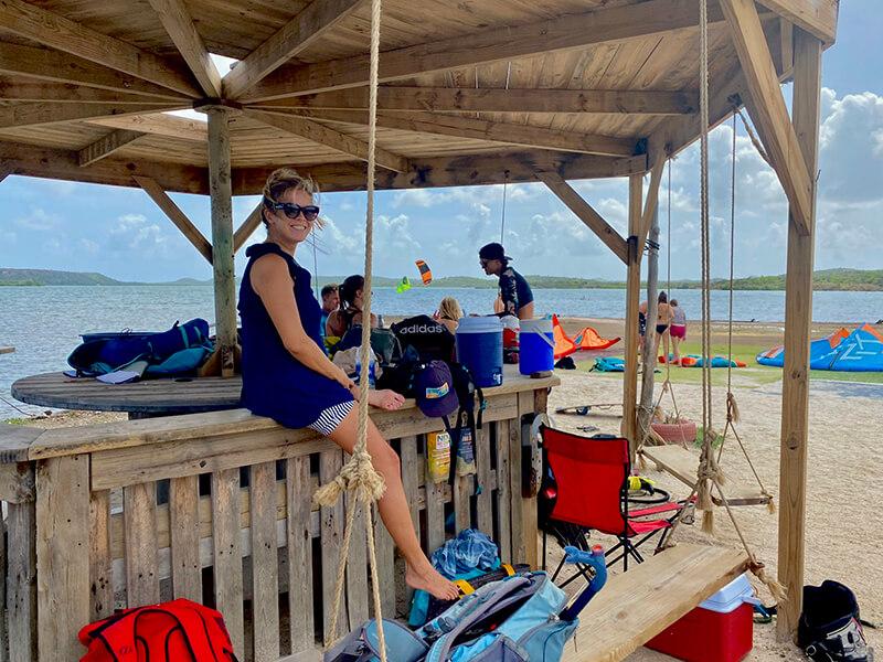 Sint Joris Baai is the main kitespot with more crowd - Yndeleau EP 05: Curacao