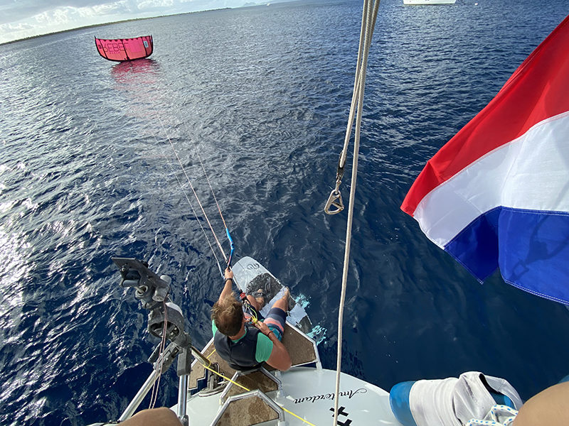 Starting from the boat copy 800x600 - Yndeleau EP 06: Bonaire - Foiling for the first time