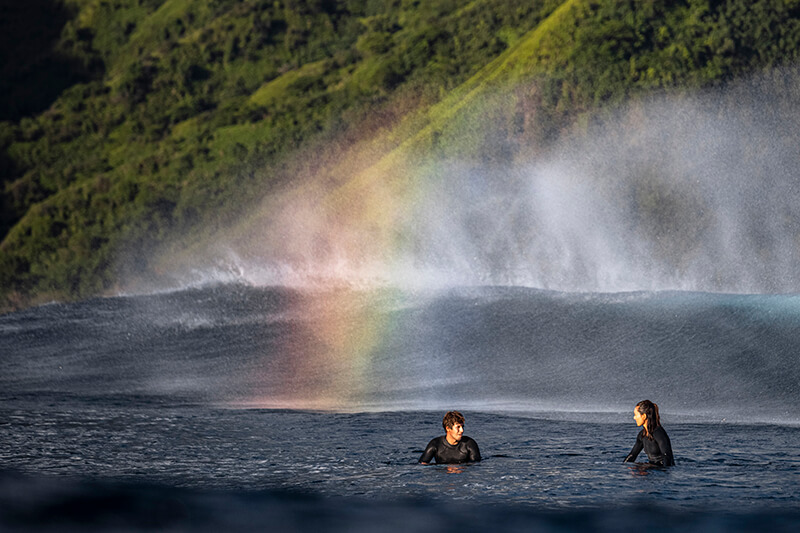 moona and keahi 6783 201013 Ryan Chachi Craig - Tucked Away in Tahiti