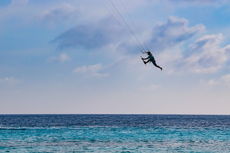 While the pro riders show much harder tricks I am happy with my one footer - Yndeleau - Kiting and sailing the world - Bonaire